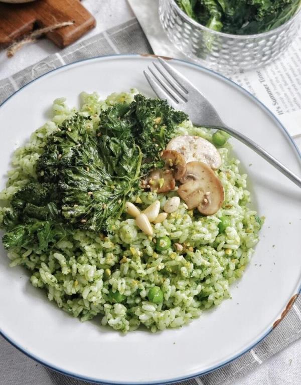 脂肪最害怕的清肠料理:菠菜蘑菇能量碗/菇菇虾仁豆腐汤/泡菜蛋花燕麦粥 食谱来了